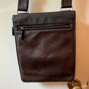 Dark brown leather Fossil crossbody purse